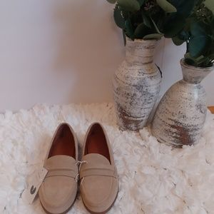 NWOB Universal Thread Suede Loafers